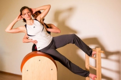 Pilates-Ladder-barrel-sidebent